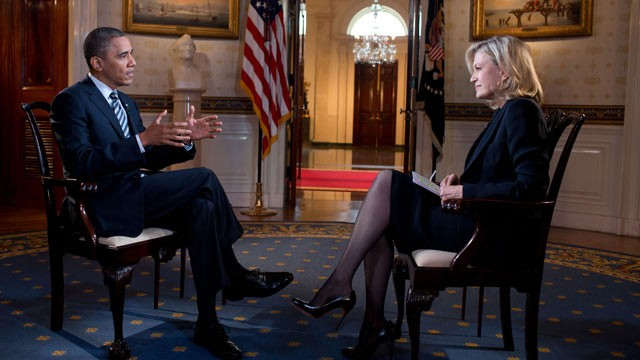 PHOTO: President Barack Obama participates in an interview with Diane Sawyer of ABC, in the Blue Room of the White House on Oct. 10, 2012.