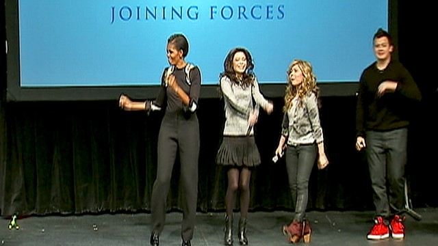 WATCH: Michelle Obama dances with iCarly cast