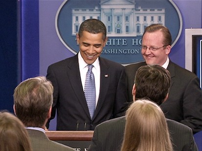 VIDEO: President Obama crashes White House briefing.