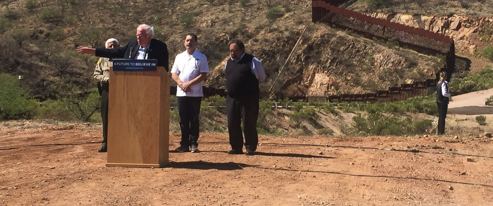 PHOTO: Democratic presidential candidate Bernie Sanders speaks in Arizona near the Mexican border on March 19, 2016.