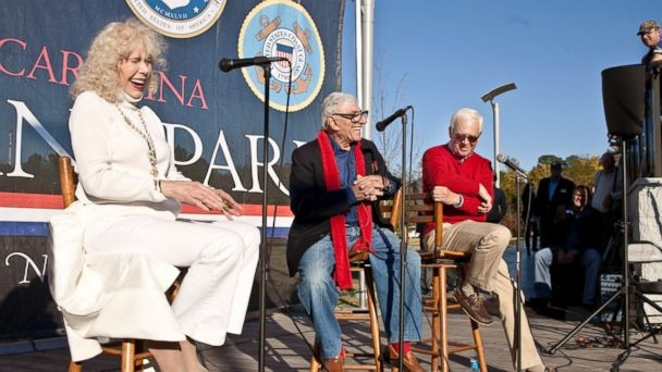 VIDEO: M*A*S*H Stars Honor Korean War Vets in Heroes Homecoming