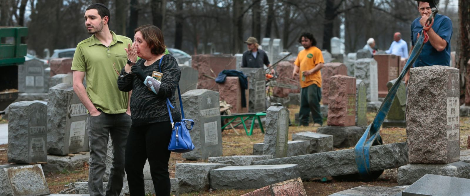 Muslim activists raise over $70,000 to aid vandalized Jewish cemetery