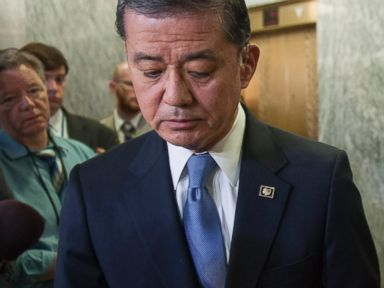 Shinseki Apologizes for VA Scandal: 'I Was Too Trusting'