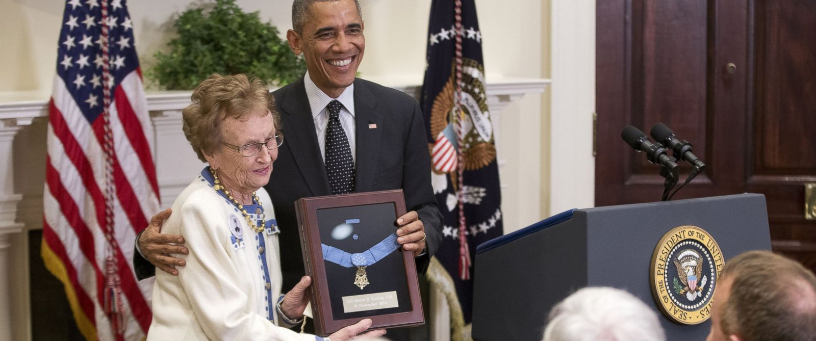 PHOTO: President Obama stands with Helen Loring Ensign as he awards the Medal of Honor posthumously to Army First Lt. Alonzo H. Cushing for conspicuous gallantry, on Nov. 6, 2014 at the White House in Washington, D.C.