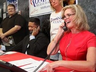 Photos: Ann Romney Puckers Up to Mitt