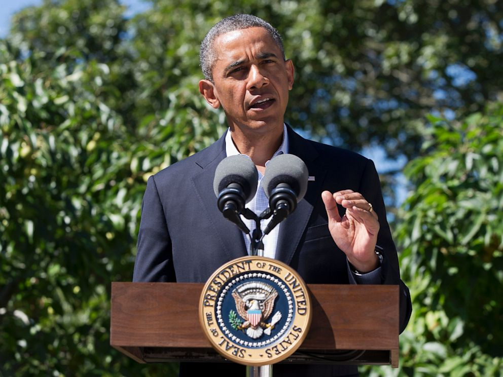 PHOTO: President Barack Obama makes a statement to the media regarding events in Egypt, from his rental vacation home in Chilmark Mass., on the island of Marthas Vineyard, Aug. 15, 2013.