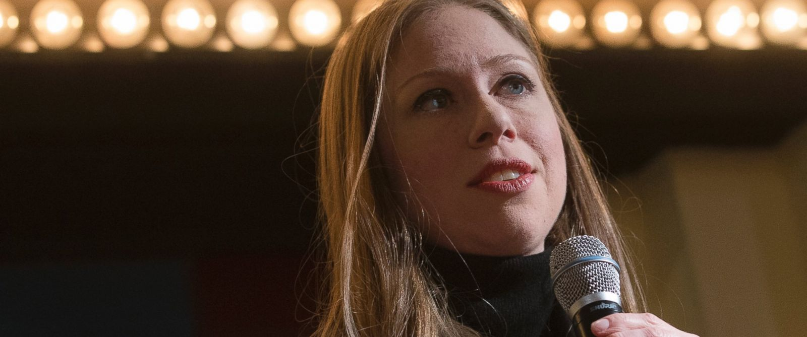 PHOTO: Chelsea Clinton, daughter of Democratic presidential candidate Hillary Clinton, speaks during a campaign stop for her mother, Jan. 12, 2016, at the Millyard Museum in Manchester, N.H.