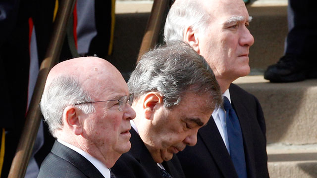 PHOTO: Former Chicago Mayor Richard M. Daley's brothers, from left, Michael Daley, John Daley, and White House Chief of Staff, William Daley serve as pallbearers as the casket of former first lady Maggie Daley arrives at Old St. Patrick's Catholic Church