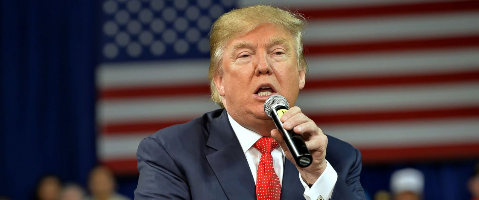 PHOTO: Republican presidential candidate Donald Trump speaks at a town hall meeting in the Convocation Center on the University of South Carolina Aiken campus, Dec. 12, 2015, in Aiken, S.C.