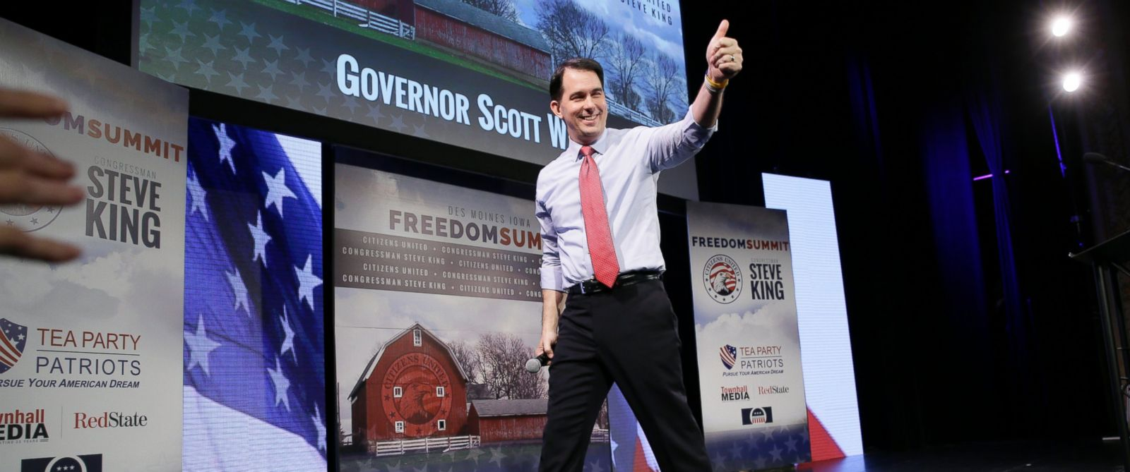 PHOTO: Wisconsin Gov. Scott Walker gestures after speaking at the Freedom Summit, Saturday, Jan. 24, 2015, in Des Moines, Iowa.