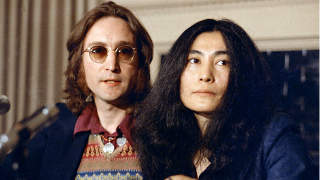 PHOTO: John Lennon and Yoko Ono