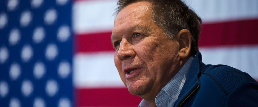 PHOTO: Republican presidential candidate, Ohio Gov. John Kasich speaks during a campaign stop, Jan. 26, 2016, in New Boston, N.H.