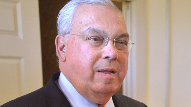 PHOTO: This Oct. 5, 2012 file photo shows Boston Mayor Tom Menino during a campaign event for Senate candidate Elizabeth Warren in Boston.