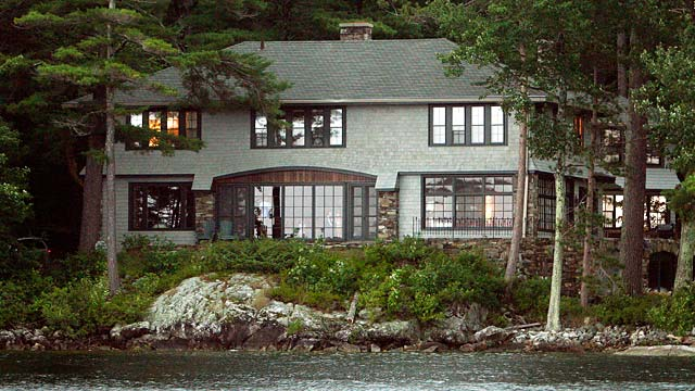 PHOTO: Mitt Romney's New Hampshire home