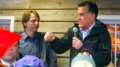 PHOTO: Republican presidential candidate, Gov. Mitt Romney, accompanied by comedian Jeff Foxworthy speaks during a campaign stop at the Whistle Stop Cafe, March 12, 2012, Mobile, Ala.
