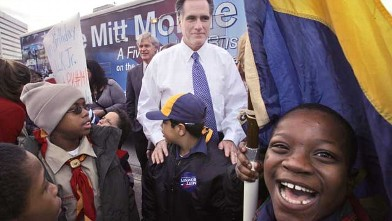 PHOTO: Republican presidential hopeful, former Massachusetts Gov. Mitt Romney visits with Cub and Boy Scouts before a Martin Luther King Day parade in Jacksonville, Fla., Jan. 21, 2008.