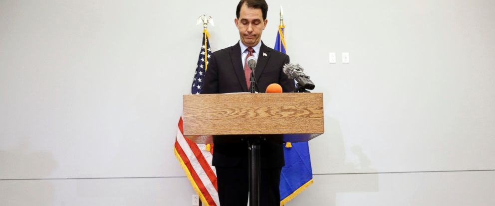 PHOTO: Wisconsin Gov. Scott Walker pauses as he speaks at a news conference, Sept. 21, 2015, in Madison, Wis., where he announced that he is suspending his Republican presidential campaign.