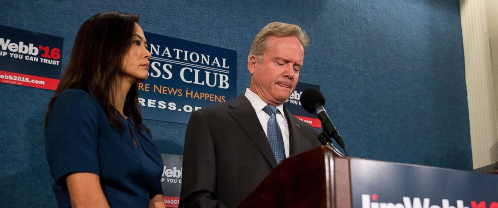 PHOTO: Jim Webb, accompanied by his wife Hong Le Webb, announces he will drop out of the Democratic race for president, Oct. 20, 2015, during a news conference at the National Press Club in Washington.