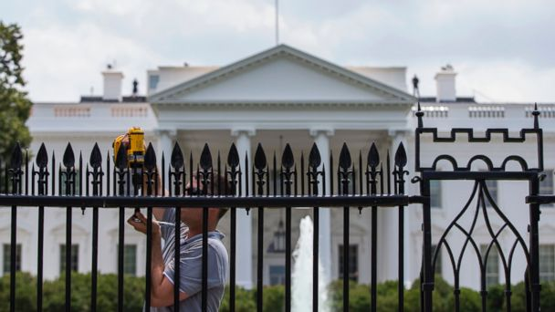 http://a.abcnews.com/images/Politics/ap_white_house_fence_lb_150701_16x9_608.jpg