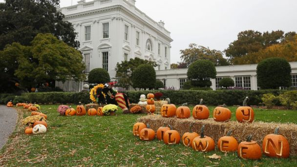 ap white house pumpkins kb 131031 16x9 608 White House Gets Spooky Makeover For Halloween