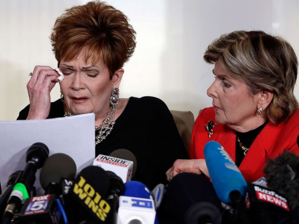 PHOTO: Beverly Young Nelson, left, the latest accuser of Alabama Republican Roy Moore, reads her statement as attorney Gloria Allred looks on, at a news conference, in New York, Nov. 13, 2017.