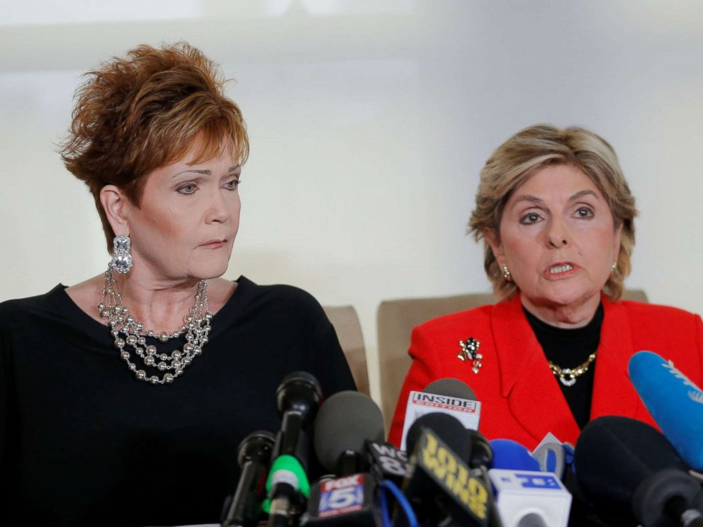 PHOTO: Beverly Nelson (L) speaks to reporters with attorney Gloria Allred during a news conference announcing new allegations of sexual misconduct against Alabama Republican congressional candidate Roy Moore, in New York, Nov. 13, 2017.