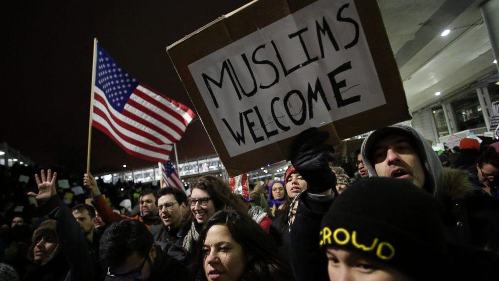 http://a.abcnews.com/images/Politics/gty-ban-2-er-170129_16x9_992.jpg