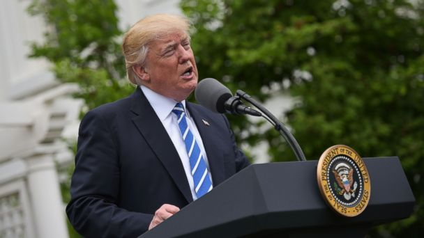 PHOTO: President Donald Trump speaks during an event with the Independent Community Bankers Association in the Kennedy Garden of the the White House in Washington, DC, May 1, 2017.