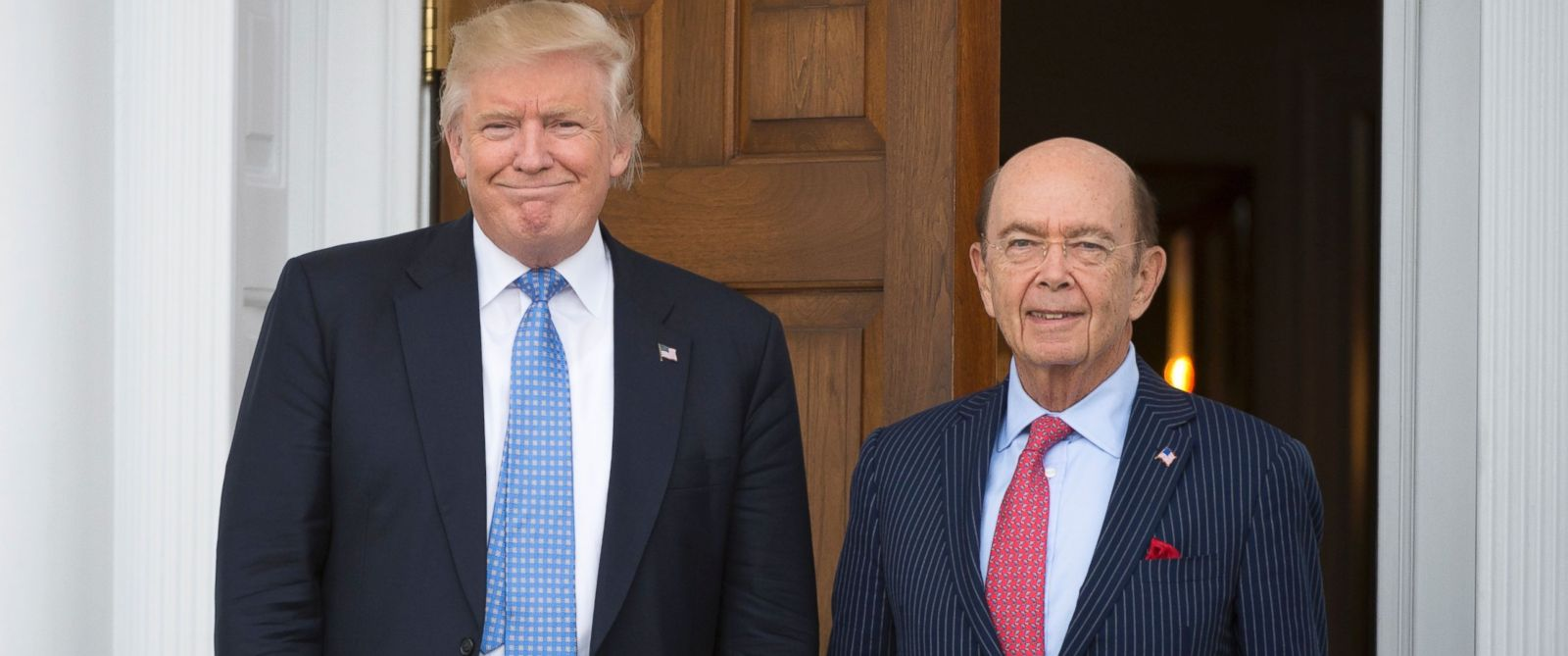 PHOTO: President-elect Donald Trump meets with Wilbur Ross at the clubhouse of Trump National Golf Club, Nov. 20, 2016 in Bedminster, New Jersey.