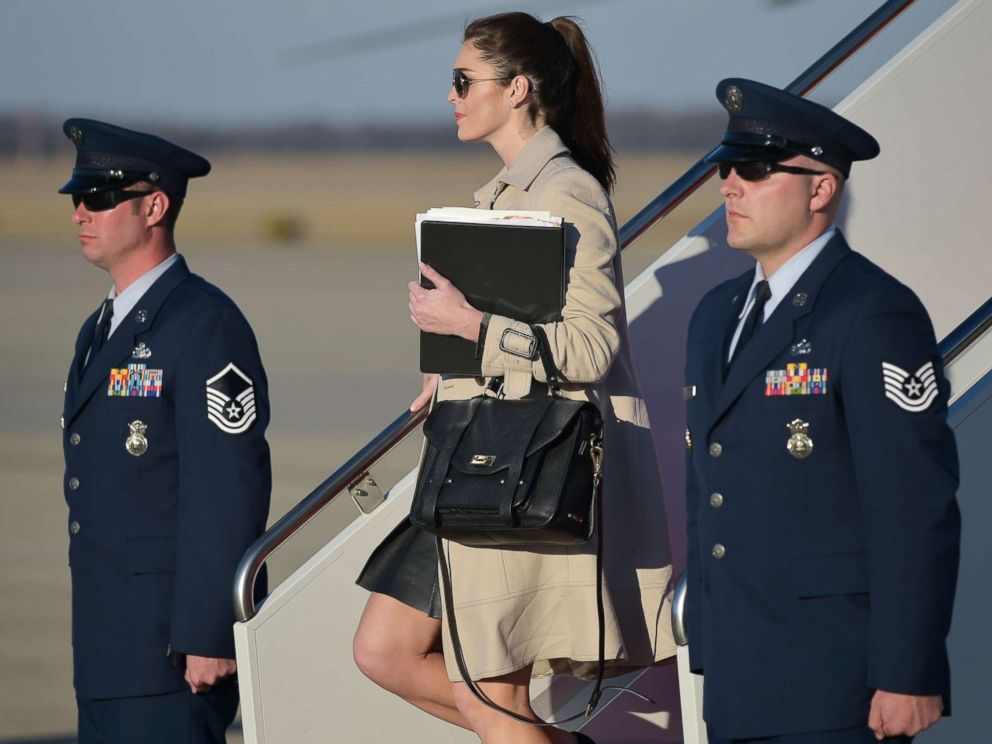 PHOTO: White House Director of Strategic Communications Hope Hicks steps off Air Force One, Feb. 6, 2017.
