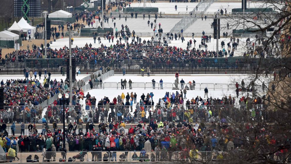 http://a.abcnews.com/images/Politics/gty-inauguration-crowd-mall-ps-170120_16x9_992.jpg