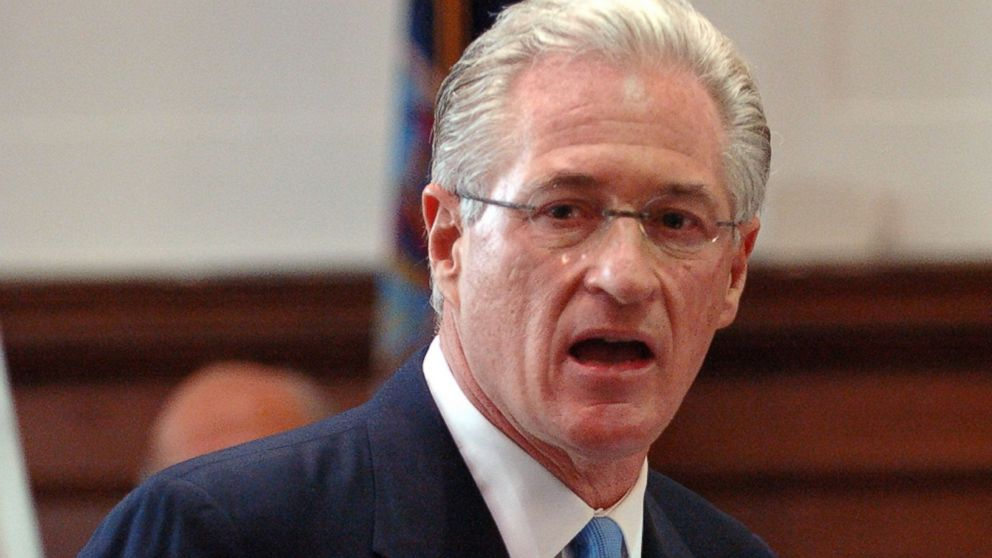 PHOTO: Marc Kasowitz, the lawyer for the Port Authority, gives his opening statement in the civil case involving the 1993 World Trade Center Twin Tower bombings, Sept. 26, 2005, in New York.