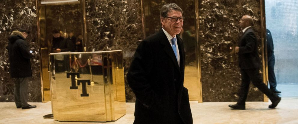 PHOTO: Former Texas Governor Rick Perry walks through the lobby on his way out of Trump Tower, Dec. 12, 2016 in New York.