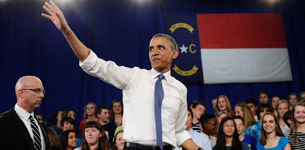 PHOTO: President Obama waves after speech