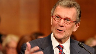 PHOTO: Thomas Daschle, former Senator from South Dakota, speaks at a hearing of the Senate Committee on Health, Education, Labor and Pensions to consider his nomination to be secretary of health and human services, in Washington, D.C., Jan. 8, 2009.