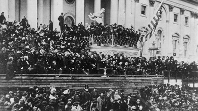 PHOTO: President Abraham Lincoln (1809 - 1865) making his inaugural speech during his second inauguration on March 4, 1865.