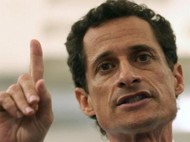 Anthony Weiner Tweets About Tinder, Sexting