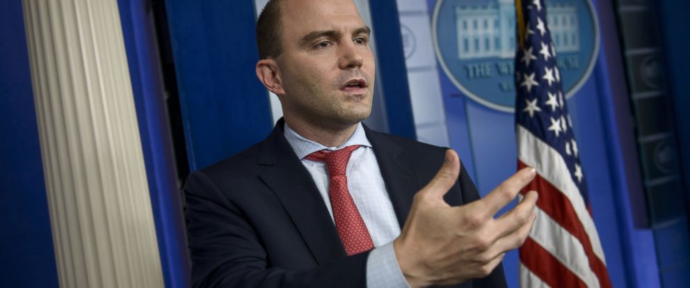 PHOTO: White House Deputy National Security Advisor Ben Rhodes speaks to reporters in the briefing room of the White House on April 7, 2015, in Washington, DC.