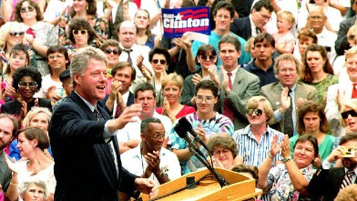 PHOTO: Democratic presidential candidate Bill Clinton speaks to students at Montgomery County Community College in this Sept. 2, 1992 file photo.