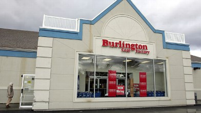 PHOTO: A customer enters the Burlington Coat Factory store in Pinebrook, New Jersey on Jan. 18, 2006.