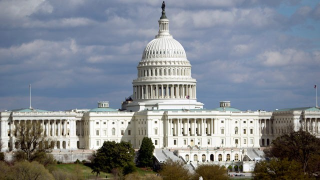 PHOTO: The U.S. Capitol building stands in Washington, D.C., U.S., on April 5, 2011.