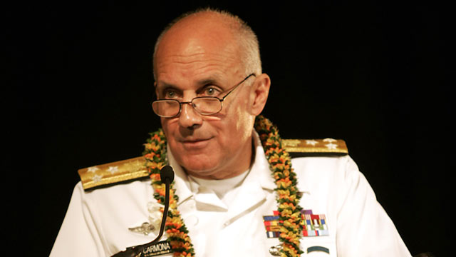 PHOTO: U.S. Surgeon General Richard Carmona discusses influenza outbreaks and containment issues at the Hawaii Pandemic Flu Summit in this April 25, 2006 file photo.