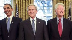 PHOTO: President George W. Bush, center, meets with President-elect Barack Obama, former President Bill Clinton, former President Jimmy Carter, far right, and former President George H.W. Bush, far left, in the Oval Office, Jan. 7, 2009, in Washington.