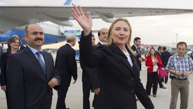 PHOTO: Hillary Clinton arriving in Istanbul