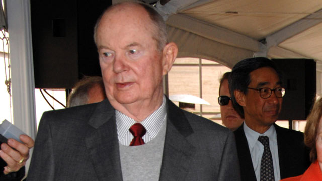 PHOTO: A. Jerrold Perenchio attend the dedication of the Ronald Reagan UCLA Medical Center, June 4, 2007 on the campus of the University of California Los Angeles, Los Angeles, California.