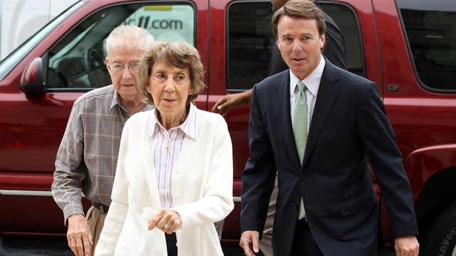 PHOTO: Former Democratic presidential candidate and former U.S. Senator John Edwards arrives at a federal courthouse with his parents Bobbie and Wallace Edwards, Greensboro, N.C., May 24, 2012.