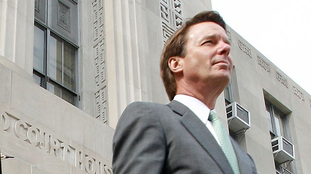 PHOTO: Former U.S. Senator John Edwards leaves the Federal Courthouse with his daughter Cate Edwards and father Wallace Edwards after closing statements in his trial on May 17, 2012 in Greensboro, NC.