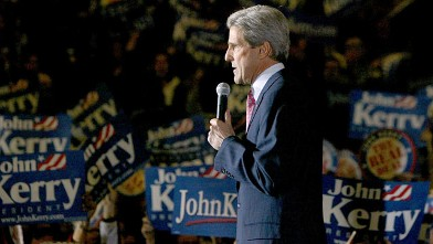 PHOTO: Democratic presidential candidate Senator John Kerry speaks during an election night party in this March 9, 2004 file photo at Union Station in Chicago, Illinois.