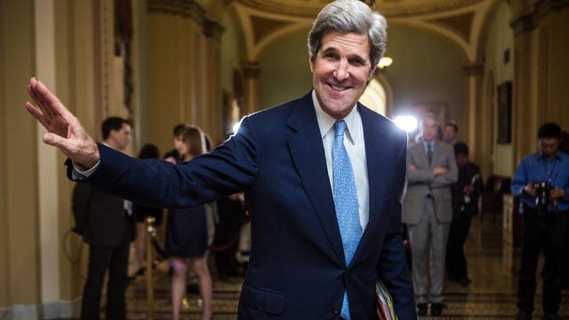 PHOTO: U.S. Sen. John Kerry (D-MA) walks to the Senate chamber in the U.S. Capitol, Dec. 4, 2012 in Washington, DC.