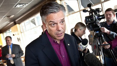 PHOTO: Republican presidential candidate, former Utah Gov. Jon Huntsman talks to the media after an event at the Honeycomb Cafe, Jan. 12, 2012 in Daniel Island, S.C.